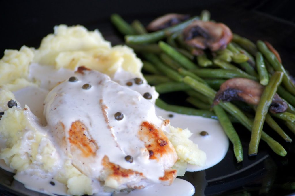 Chicken with Green Peppercorn Sauce
